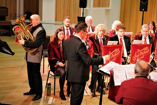 Steven Mead with Brackley & District Band - Concert Report